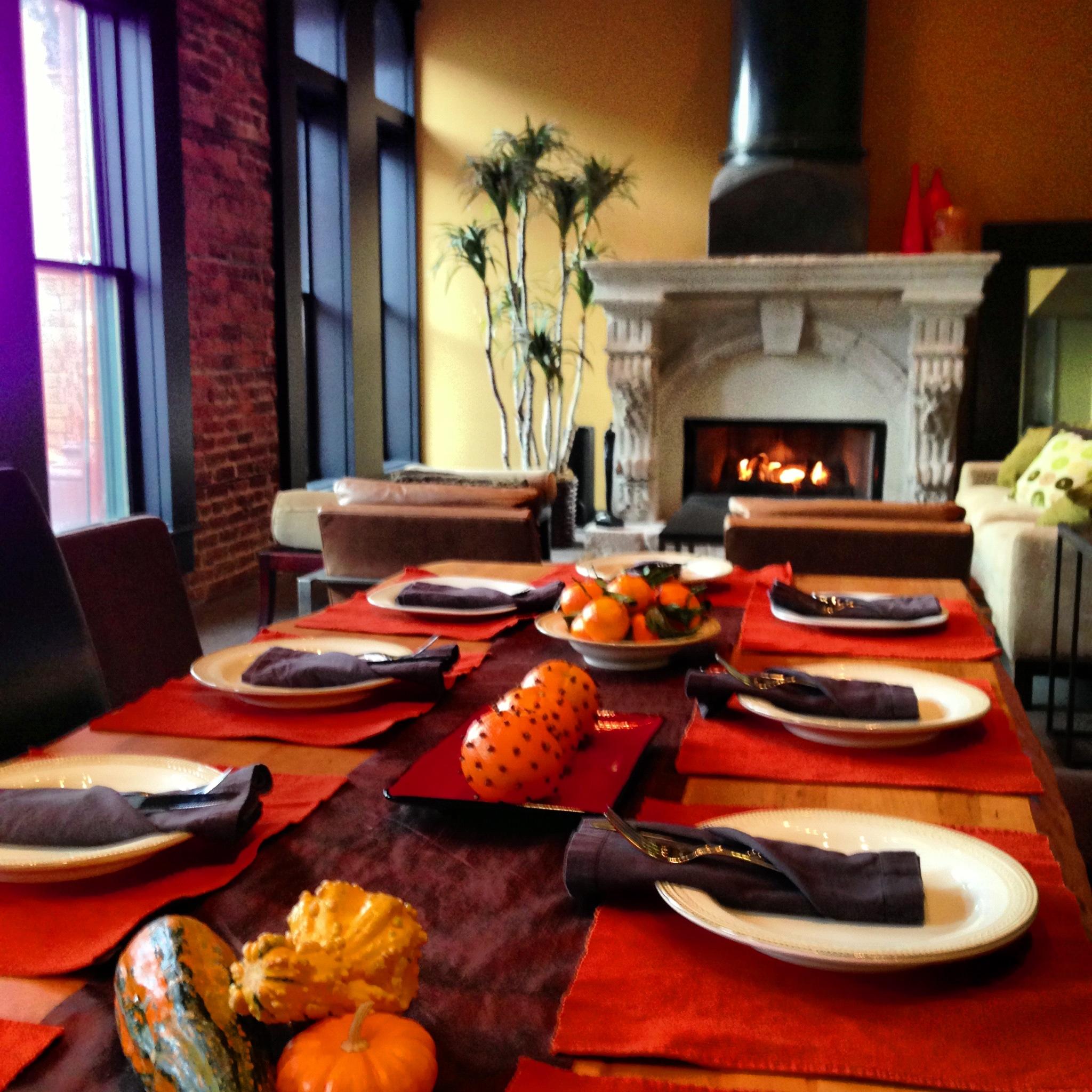 Thanksgiving_Table.jpg